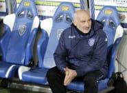 François Ciccolini, entraîneur du Stade lavallois, menace violemment un