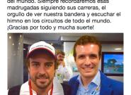 Pablo Casado publica una foto con Fernando Alonso y muchos le repiten el mismo
