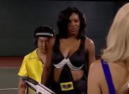 Serena Williams s'est moquée du physique d'Amelie Mauresmo dans un vieux sketch et les internautes l'ont
