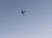 Un trabajador de una aerolínea roba un avión comercial y lo