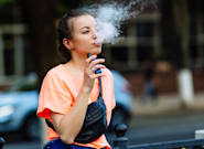 Health Groups Ask For Ban On Vaping Advertising As Illness Hits