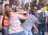 Agredida una mujer que llevaba una bandera de España en las protestas contra la sentencia del