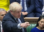 El Parlamento británico aprueba que Johnson pida una prórroga del Brexit y él se niega a