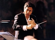 Λουκάς Καρυτινός: Στη μουσική το ψεύτικο φαίνεται