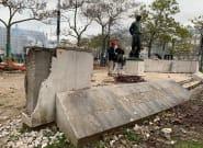 Le monument du Maréchal Juin dégradé pour servir de projectiles à