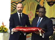 Au Sénégal, Philippe a remis un sabre très symbolique au