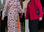 Las reinas Letizia y Sofía escenifican su buena relación yendo de