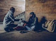 Pourquoi la verbalisation d'une personne pour avoir donné de l'argent à une mendiante est révoltante et juridiquement