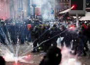 El caos toma París: enfrentamientos entre policías y manifestantes contrarios a la reforma de las
