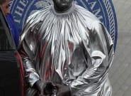 La tenue de Kanye West à son nouvel opéra vaut le