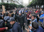 Manifestation contre la présidentielle en Algérie, des centres de vote