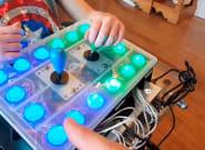 Un padre crea un mando adaptado para que su hija con discapacidad juegue a