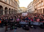 Las 'sardinas' empiezan el pulso a Salvini por