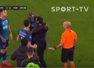 Marega, jugador del Oporto, abandona el campo tras recibir insultos