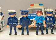 La Policía de Málaga recurre a los Playmobil para pedir que nos quedemos en