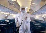 Un pasajero de un vuelo Madrid-Lanzarote da positivo y obliga a aislar a otros