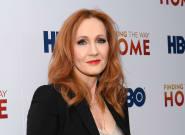 J.K. Rowling à nouveau accusée de transphobie après une série de