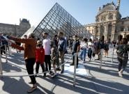 Todo mal: la imagen de la reapertura del Louvre que es para llevarse las manos a la