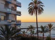 Dos hombres mueren en un hotel de Marbella al caer uno de ellos sobre el otro, que estaba en una