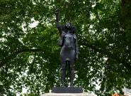 Sustituyen la estatua de un esclavista por la de una manifestante contra el racismo en