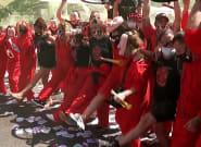 Los trabajadores de Nissan protestan disfrazados de 'La casa de
