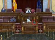 Bronca en el Congreso por este cartel sobre Vox: la diputada, obligada a