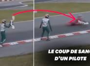 Le pilote de kart Luca Corberi s'en prend violemment à un