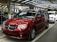 Fiat Chrysler Canada's Deal With Unifor Will Add 2,000 Jobs, Launch Electric Car