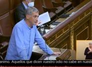 Un diputado de Bildu cita a Iker Jiménez en el Congreso para atacar a la derecha y enciende a los