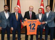 Basaksehir-PSG: la Ligue des champions rattrapée par la crise