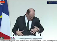 El primer ministro francés busca sus gafas desesperadamente, pero mira bien la