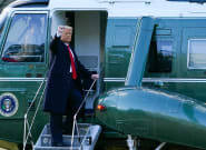 Ahora sí: Trump abandona la Casa Blanca en helicóptero y entre cajas de