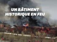 À Saint-Pétersbourg, un incendie ravage la
