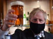 Reino Unido y la suerte de la sucesión de noticias continuas que tapen la