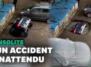 En Inde, une voiture engloutie dans le sol en quelques