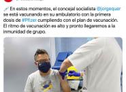 Un concejal del PSOE se vacuna y el parecido razonable que le sacan recorre medio