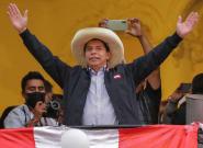 Castillo se impone a Fujimori en las presidenciales de Perú con todas las actas