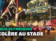 JO de Tokyo 2020: manifestation devant le stade pendant la cérémonie