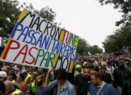 Pass sanitaire: des manifestations partout en France et quelques