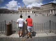 El Vaticano sienta en el banquillo a un cardenal acusado de corrupción por primera vez en la
