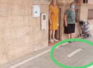 Le ponen un carril bici en la puerta de casa y la 'solución' del Ayuntamiento indigna a media