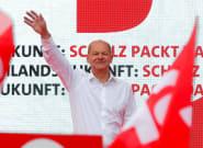 Allemagne: sociaux-démocrates et conservateurs de Merkel au coude à