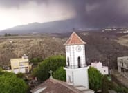 La iglesia de Todoque, en La Palma, colapsa tras el avance de la
