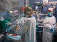 La OMS estima que al menos 115.000 sanitarios han muerto en el mundo por la