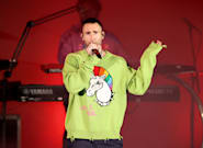 Adam Levine Is Not Impressed After Woman Crashes Stage During Maroon 5