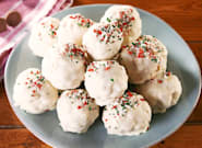 Rice Krispie Snowballs Are An Easy Christmas Recipe That Kids Will