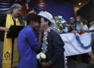 Arrivés à la frontière américaine, ces couples de migrants LGBT ont enfin pu se