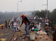 Au Venezuela, l'aide humanitaire bloquée aux frontières, des