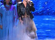 Aux Brit Awards, Pink impressionne le public avec son