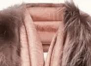 La bufanda de Fendi que se ha hecho viral por parecer una